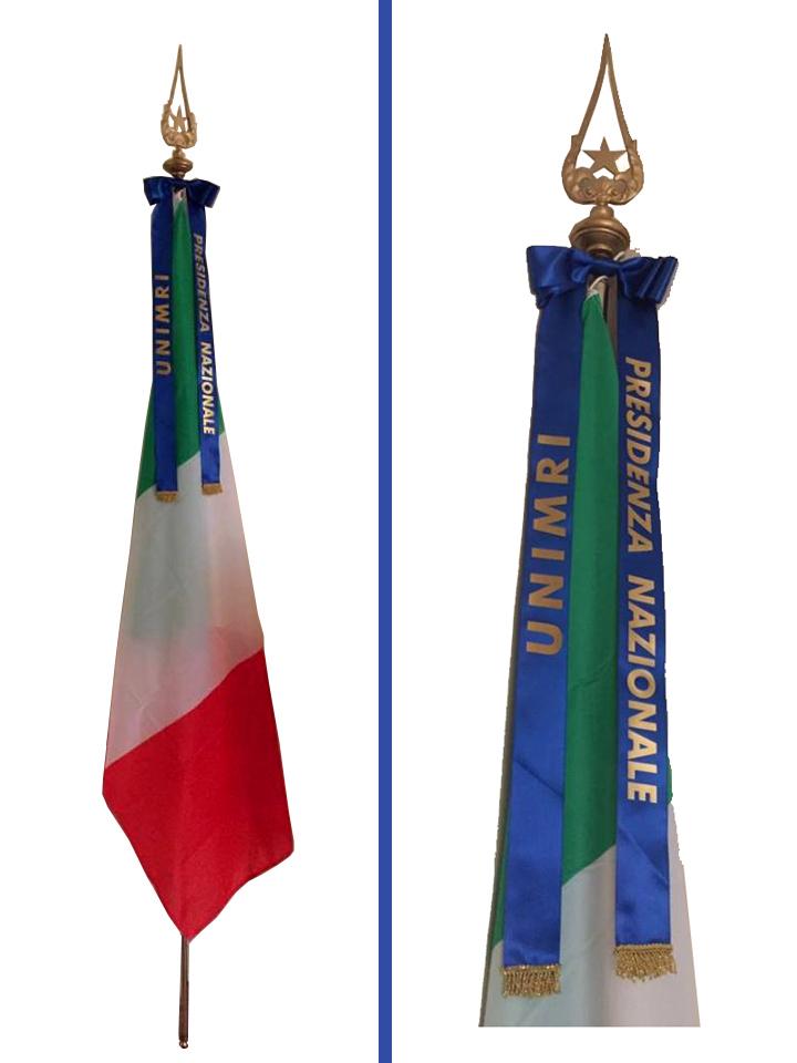 Il tricolore for Bandiera di guerra italiana